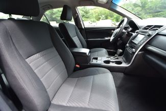 2016 Toyota Camry Hybrid LE Naugatuck, Connecticut 9