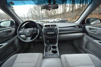 2016 Toyota Camry Hybrid LE Naugatuck, Connecticut 13