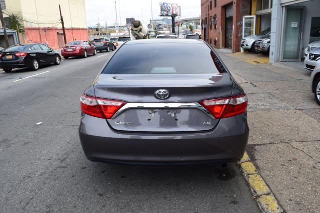 2016 Toyota Camry LE Richmond Hill, New York 3