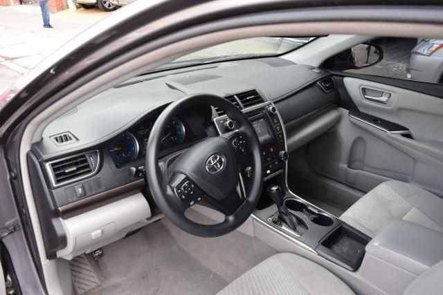 2016 Toyota Camry LE Richmond Hill, New York 8