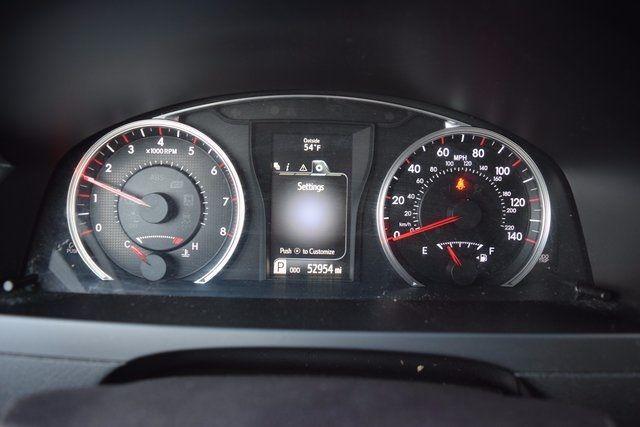2016 Toyota Camry SE Richmond Hill, New York 13