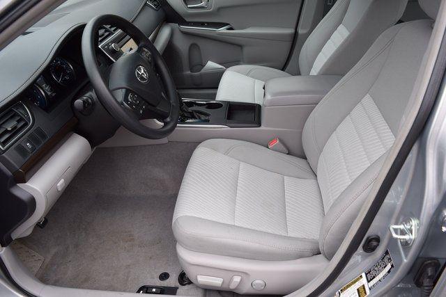 2016 Toyota Camry Richmond Hill, New York 24