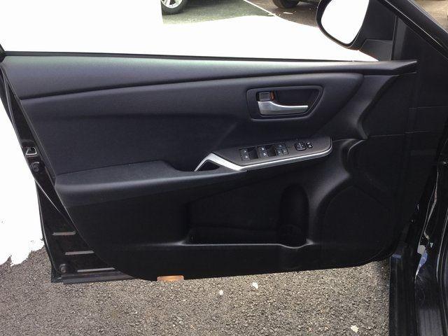 2016 Toyota Camry Richmond Hill, New York 9