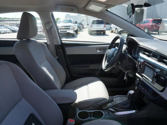2016 Toyota Corolla LE Harrison, Arkansas 9