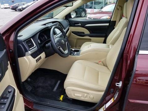 2016 Toyota Highlander AWD XLE Nav 3rd row seating | Rishe's Import Center in Ogdensburg, New York
