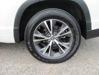 2016 Toyota Highlander XLE Dickson, Tennessee 3