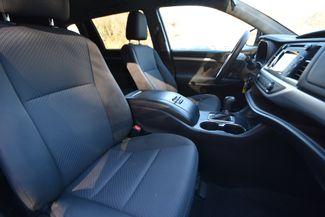 2016 Toyota Highlander LE Naugatuck, Connecticut 9