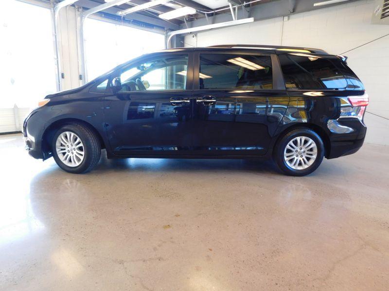 2016 Toyota Sienna XLE  city TN  Doug Justus Auto Center Inc  in Airport Motor Mile ( Metro Knoxville ), TN