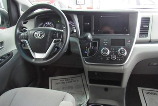 2016 Toyota Sienna LE W/ BACK UP CAM Chicago, Illinois 42