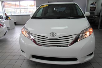 2016 Toyota Sienna LE W/ BACK UP CAM Chicago, Illinois 3