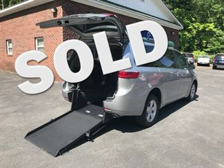 2016 Toyota Sienna LE  Handicap Wheelchair accessible van Dallas, Georgia
