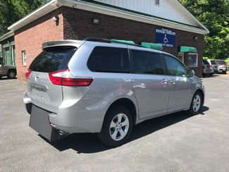 2016 Toyota Sienna LE  Handicap Wheelchair accessible van Dallas, Georgia 5
