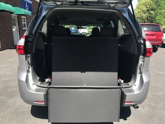 2016 Toyota Sienna LE  Handicap Wheelchair accessible van Dallas, Georgia 11