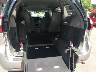 2016 Toyota Sienna LE  Handicap Wheelchair accessible van Dallas, Georgia 14