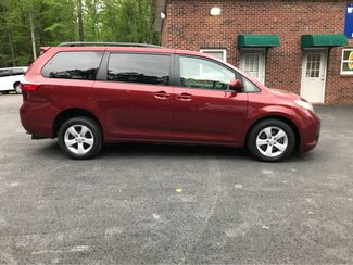 2016 Toyota Sienna LE  Handicap Wheelchair accessible Dallas, Georgia 17