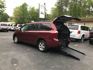 2016 Toyota Sienna LE  Handicap Wheelchair accessible Dallas, Georgia 0