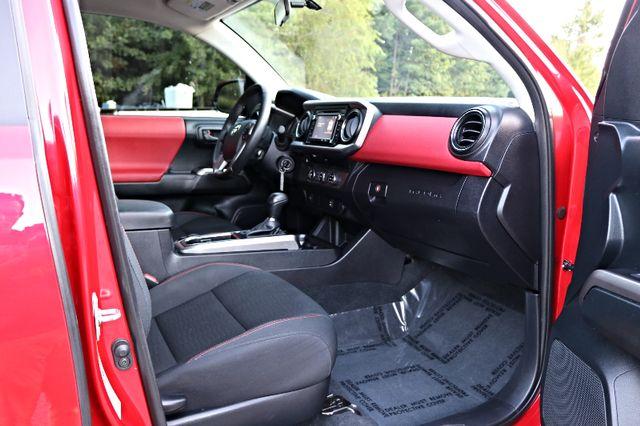 2016 Toyota Tacoma TRD Sport Mooresville, North Carolina 19
