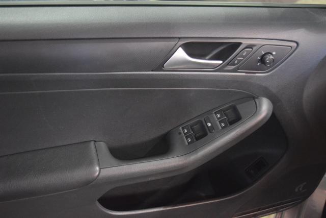 2016 Volkswagen Jetta 1.4T S Richmond Hill, New York 4