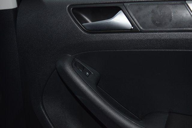 2016 Volkswagen Jetta 1.4T SE Richmond Hill, New York 12