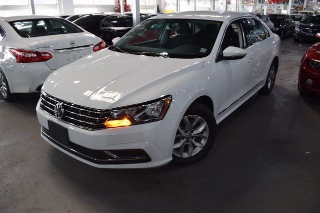 2016 Volkswagen Passat 1.8T S Richmond Hill, New York 1