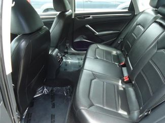2016 Volkswagen Passat SE. SUNRF. LTHR. CAM. HTD SEATS. APPLE CARPLA SEFFNER, Florida 14
