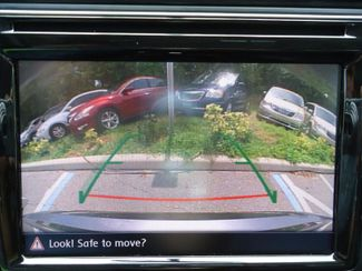 2016 Volkswagen Passat SE. SUNRF. LTHR. CAM. HTD SEATS. APPLE CARPLA SEFFNER, Florida 2