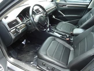 2016 Volkswagen Passat SE. SUNRF. LTHR. CAM. HTD SEATS. APPLE CARPLA SEFFNER, Florida 4