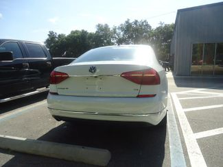 2016 Volkswagen Passat SE SUNRF. LTHR. CAM. HTD SEATS. APPLE CARPLAY SEFFNER, Florida 12