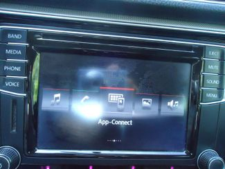 2016 Volkswagen Passat SE SUNRF. LTHR. CAM. HTD SEATS. APPLE CARPLAY SEFFNER, Florida 32