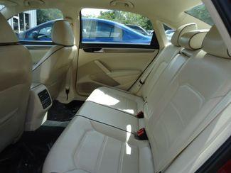 2016 Volkswagen Passat SE SUNRF. LTHR. CAM. HTD SEATS. APPLE CARPLAY SEFFNER, Florida 14