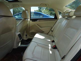 2016 Volkswagen Passat SE SUNRF. LTHR. CAM. HTD SEATS. APPLE CARPLAY SEFFNER, Florida 15