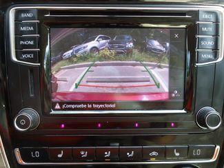 2016 Volkswagen Passat SE SUNRF. LTHR. CAM. HTD SEATS. APPLE CARPLAY SEFFNER, Florida 2