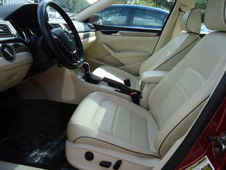 2016 Volkswagen Passat SE SUNRF. LTHR. CAM. HTD SEATS. APPLE CARPLAY SEFFNER, Florida 4