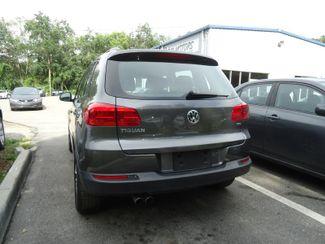 2016 Volkswagen Tiguan LEATHER. CAMERA. HTD SEATS. APPLECARPLAY SEFFNER, Florida 9