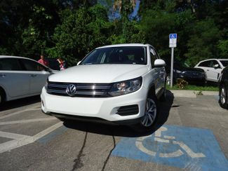 2016 Volkswagen Tiguan LEATHER. CAMERA. HTD SEATS. APPLECARPLAY SEFFNER, Florida 4