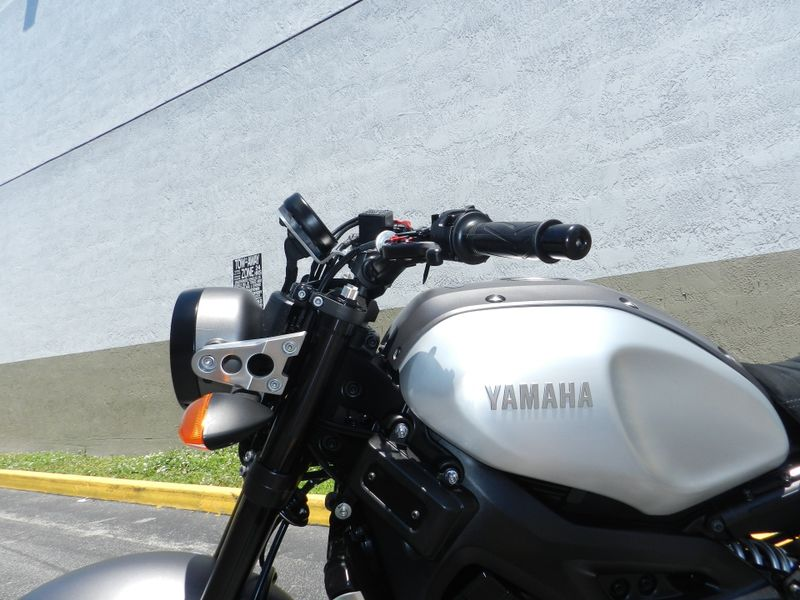 2016 Yamaha XSR 900 XSR900 LIKE NEW CAFE RACER STYLE  city Florida  MC Cycles  in Hollywood, Florida