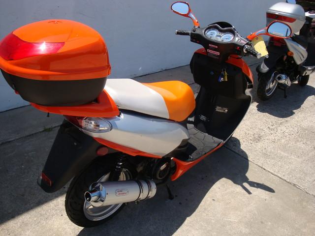 2016 Yong 10 D scooter Daytona Beach, FL 6