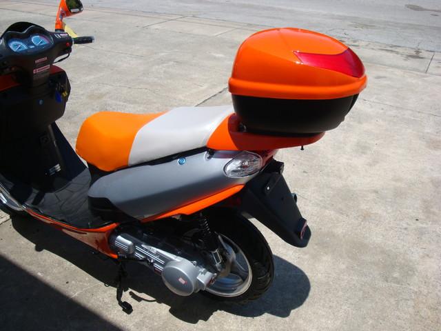 2016 Yong 10 D scooter Daytona Beach, FL 7