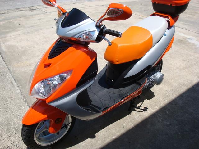 2016 Yong 10 D scooter Daytona Beach, FL 9