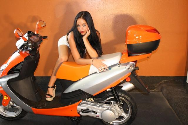 2016 Yong 10 D scooter Daytona Beach, FL 3