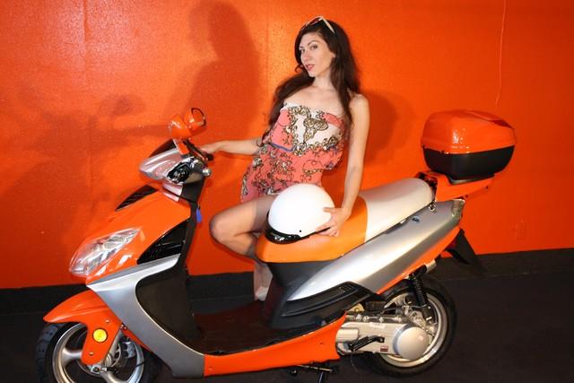 2016 Yong 10 D scooter Daytona Beach, FL 1