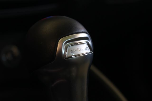 2017 Audi A3 Sportback e-tron Premium FWD - PHEV HYBRID - LIKE NEW! Mooresville , NC 40