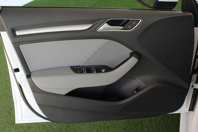2017 Audi A3 Sportback e-tron Premium FWD - PHEV HYBRID - LIKE NEW! Mooresville , NC 49