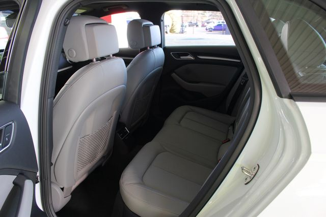 2017 Audi A3 Sportback e-tron Premium FWD - PHEV HYBRID - LIKE NEW! Mooresville , NC 45