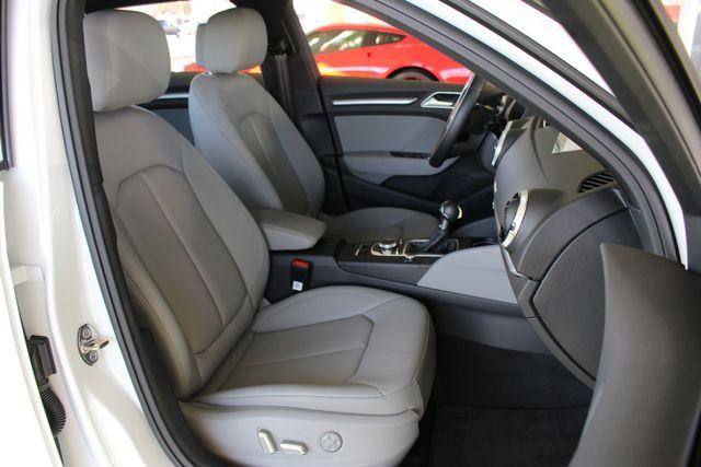 2017 Audi A3 Sportback e-tron Premium FWD - PHEV HYBRID - LIKE NEW! Mooresville , NC 13