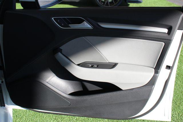2017 Audi A3 Sportback e-tron Premium FWD - PHEV HYBRID - LIKE NEW! Mooresville , NC 50