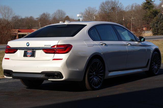 2017 BMW 750i RWD - M SPORT, EXECUTIVE & DRIVER PLUS II PKGS! Mooresville , NC 28