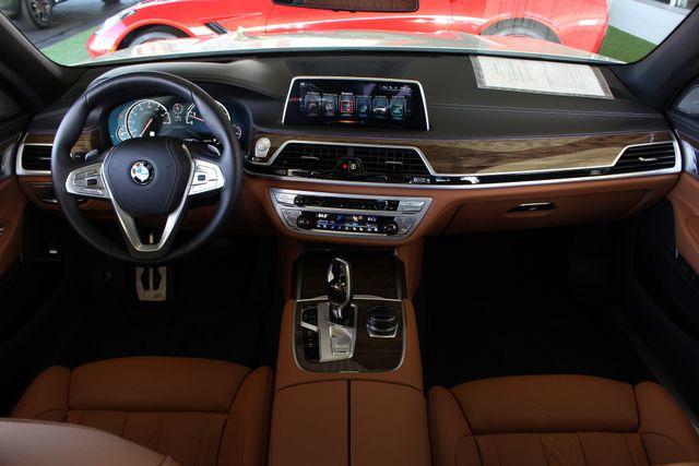 2017 BMW 750i RWD - M SPORT, EXECUTIVE & DRIVER PLUS II PKGS! Mooresville , NC 44