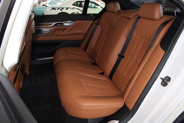 2017 BMW 750i RWD - M SPORT, EXECUTIVE & DRIVER PLUS II PKGS! Mooresville , NC 12