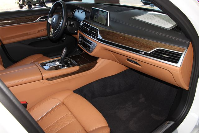 2017 BMW 750i RWD - M SPORT, EXECUTIVE & DRIVER PLUS II PKGS! Mooresville , NC 46